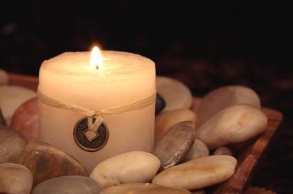 Nến tượng trưng cho yếu tố phong thủy của lửa