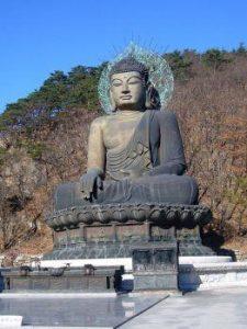 Phật sắt có thể được tìm thấy trong các ngôi chùa Phật giáo.