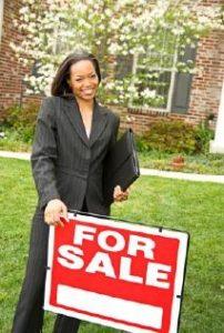 Bất động sản đứng chờ bán hàng