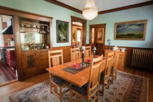 phòng ăn gia đình truyền thống Victoria