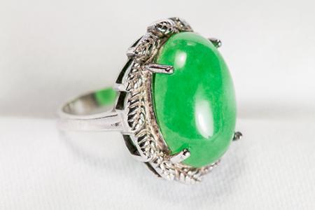 Nhẫn bạc cũ đính đá Ngọc