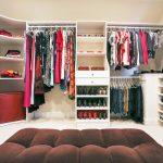Tủ quần áo đầy đủ