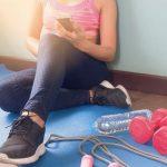 Người phụ nữ trong phòng tập thể dục