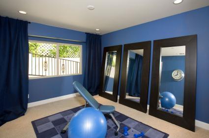 Phòng tập thể dục tại nhà màu xanh và đen