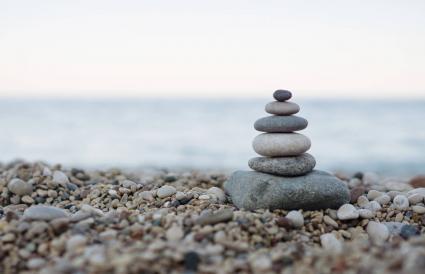 Đá cân bằng