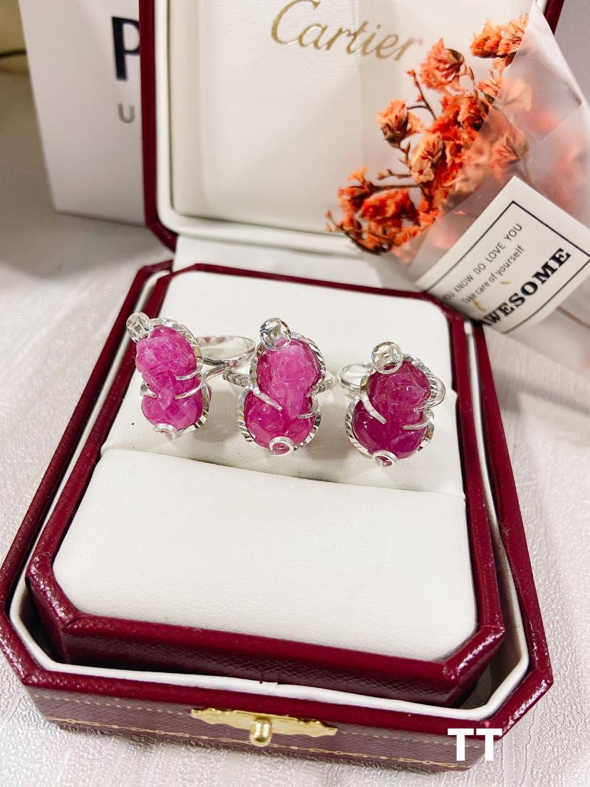 Nhẫn tỳ hưu Ruby bọc bạc giá 850k