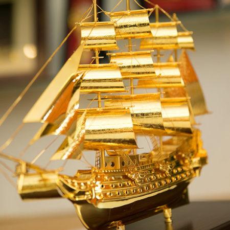 Thuyền Buồm Bằng Vàng 24k Quà Tặng Phong Thủy Doanh Nhân Cao Cấp Sang Trọng