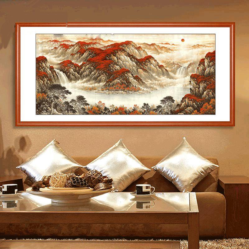 8 Cach Chon Tranh Phong Thuy Cho Phong Khach (1)
